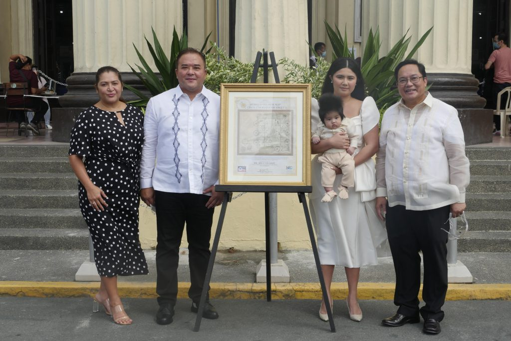 (1) Presentation of the Murillo Velarde 1734 Map Postage Stamp to the Velarde Family